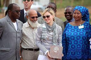 Madonna zbuduje sierociniec w Malawi