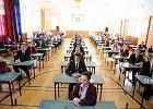 """Matura 2015. Matematyka trudna czy �atwa? Uczniowie podzieleni. Matematyk: """"Skoro wystarczy 30 proc., ka�dy powinien to zda�"""""""