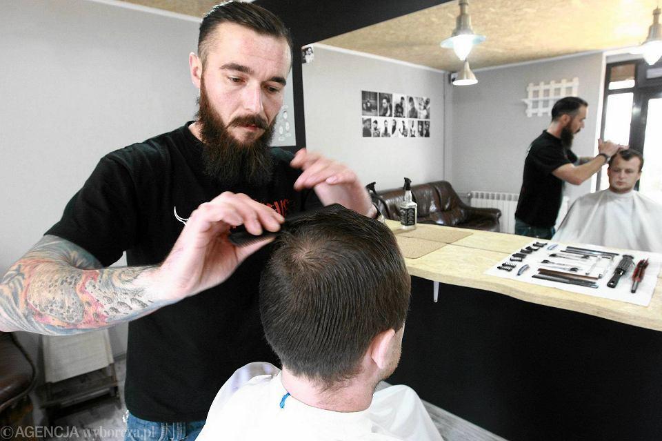 Pierwszy Barber Shop W Mieście Masz Brodę To O Nią Dbaj