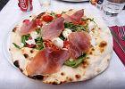 """Pinsa - zapomniana, lżejsza """"przodkini"""" pizzy. Z łatwością zrobisz ją w domu! [PRZEPIS]"""