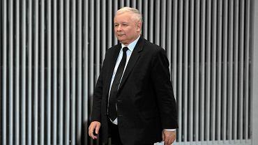 Jarosław Kaczyński podczas spotkania z wyborcami w auli Katolickiego Uniwersytetu Lubelskiego