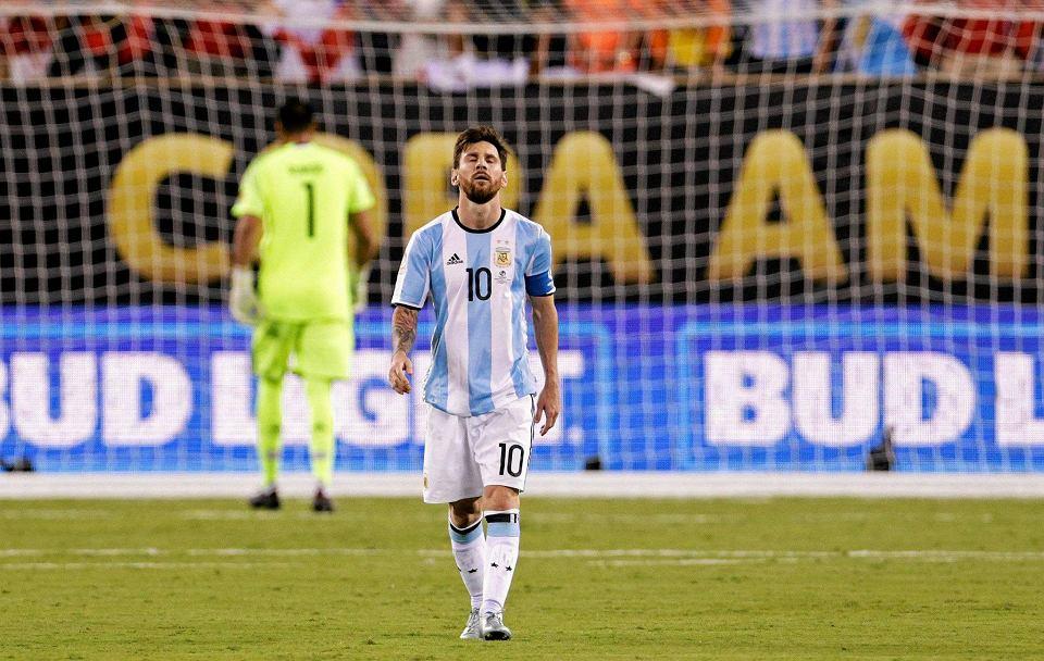 Zdjęcie numer 4 w galerii - Copa America 2016. Leo Messi w rozpaczy po porażce w finale [ZDJĘCIA]