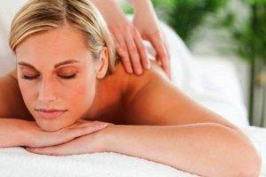 Masaże i masażery - kiedy warto stosować i czy naprawdę działają? Podpowiadamy, jaki kupić