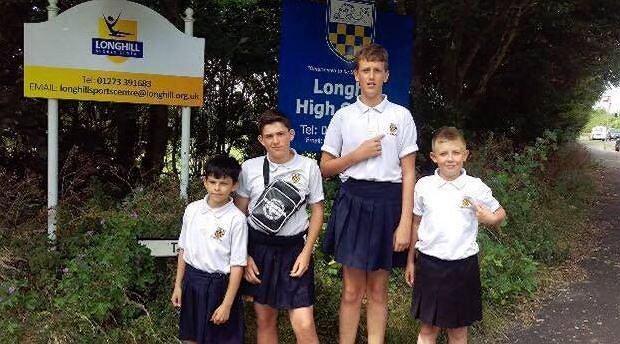 Szkoła zabroniła chłopcom nosić szorty. Ale uczniowie wykiwali system. Upały już im niestraszne