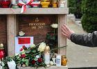 Były opozycjonista oddaje rodzinie Piotra Szczęsnego Order Odrodzenia Polski