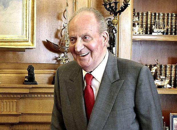 Kr�l Hiszpanii ratuje wizerunek monarchii. Ujawni� pensje rodziny. Kr�lowa dostanie ponad 63 tys. euro rocznie. Du�o?
