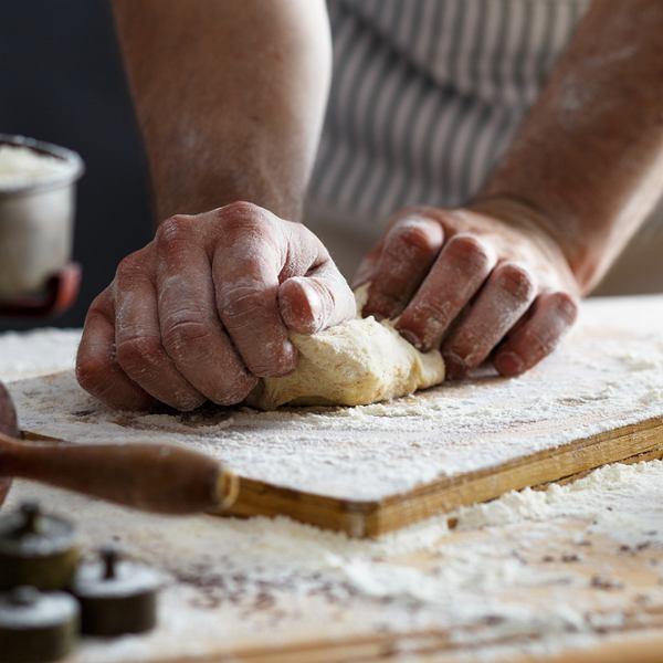 Jak zrobić domowy makaron? Mamy przepis krok po kroku i kilka porad