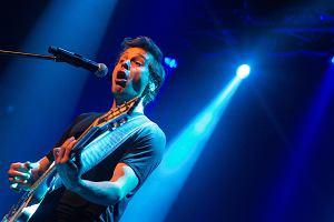 """Krzysztof Zalewski, który wciąż promuje swój ostatni album """"Złoto"""", zagra 15 czerwca przed Linkin Park i Machine Gun Kelly. Koncerty odbędą się w Tauron Arenie Kraków w ramach Impact Festivalu."""
