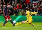 Liga Mistrz�w. Barcelona - Roma 6:1. Szcz�sny: Rzuca�em si� jak manekin