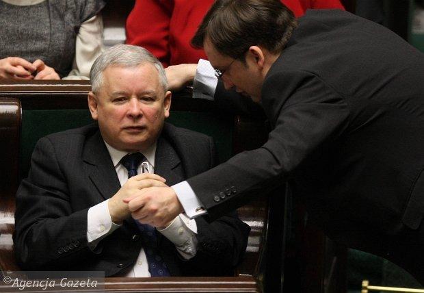 """Zako�czy�o si� """"utajnione"""" spotkanie Kaczy�ski-Ziobro. Rozmowa poza siedzib� PiS"""