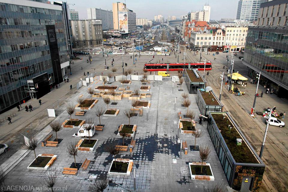 http://bi.gazeta.pl/im/11/a9/10/z17473041V,Rynek-w-Katowicach.jpg
