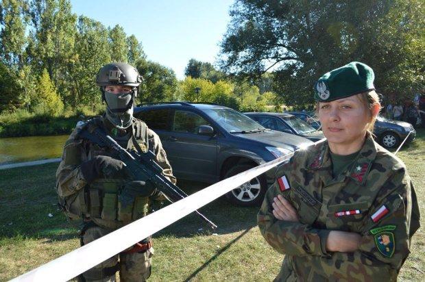 Mł. insp. ZS Monika Malczewska, dowódca Jednostki Strzeleckiej 1002 Tomaszów Mazowiecki