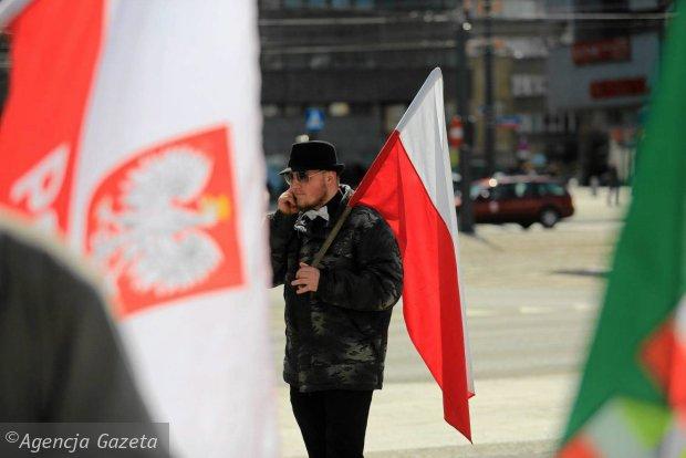 """Marsz M�odzie�y Wszechpolskiej: biali kontra """"dzikusy"""""""