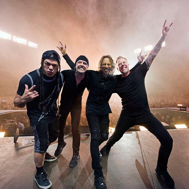 """Podczas sobotniego koncertu w Manchesterze, na miłośników metalu i britpopu czekała nie lada niespodzianka. Ci, którzy wybrali się na występ Metalliki, mogli posłuchać nie tylko największych numerów grupy, ale także niesamowitego i zaskakującego coveru. Posłuchajcie jak brzmi """"Don't Look Back in Anger"""", w wykonaniu królów thrash metalu."""
