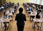 Egzaminy gimnazjalne 2017. Znamy wyniki uczniów w Warszawie. Jak im poszło?