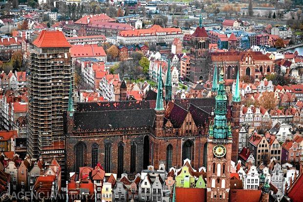 Dach kościoła Mariackiego w Gdańsku w katastrofalnym stanie