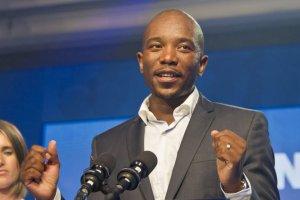 """Historyczne wydarzenie. """"Partia białych"""" w RPA wybrała czarnego lidera. Otrzymał aż 93 proc. głosów"""