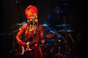 Fatoumata Diawara - malijska szamanka porwa�a gda�sk� publiczno��. Ostatni koncert Siesta Festival [zdj�cia]