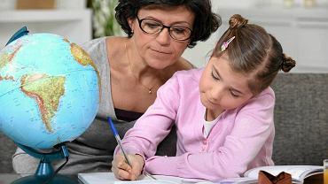 Rodzice skarżą się, że resort edukacji izoluje dzieci chore lub niepełnosprawne od reszty klasy
