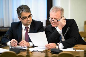Wiceszef Komisji Nadzoru Finansowego Wojciech Kwaśniak (z prawej) na posiedzeniu sejmowej podkomisji nadzwyczajnej do spraw ustawy o Spółdzielczych Kasach Oszczędnościowo-Kredytowych, 31 marca 2015 r.