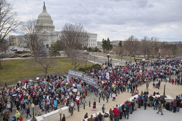 Kongres USA próbuje utrudnić dostęp do aborcji