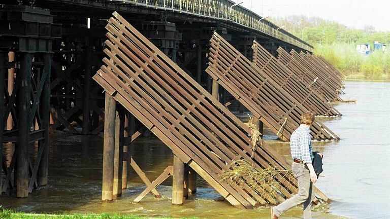 Most Syreny sprawdził się już w miejscu mostu Świętokrzyskiego