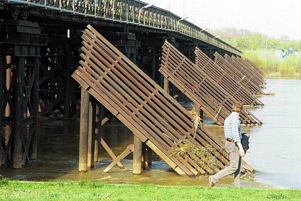 Most Syreny sprawdzi� si� ju� w miejscu mostu �wi�tokrzyskiego