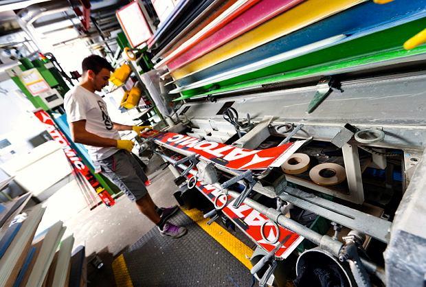 Produkcja nart w fabryce w Altenmarkt