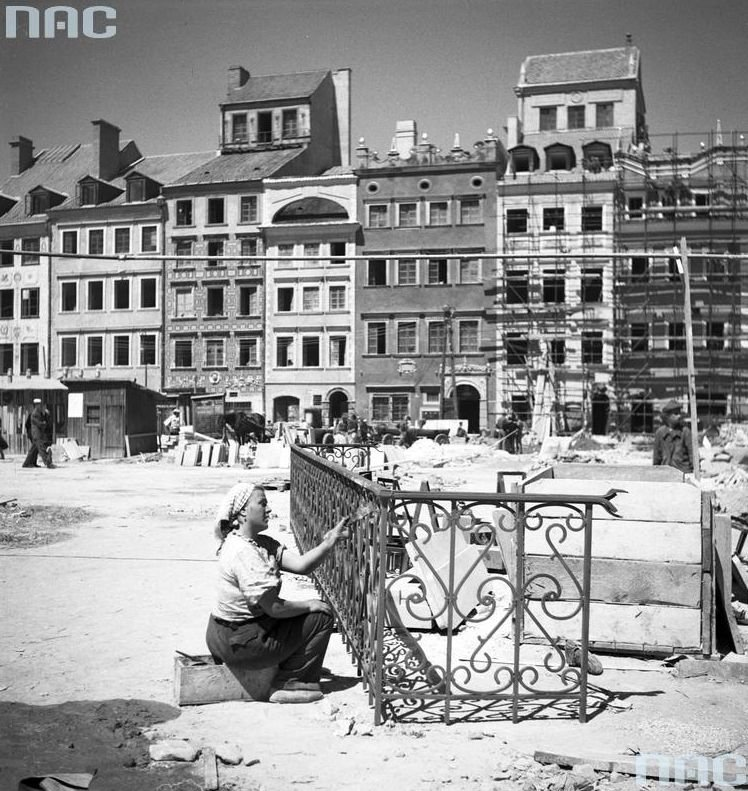 Warsaw Post-War Reconstruction to Present - Page 88 ...