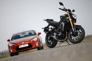 Toyota GT86 vs. Yamaha MT09 | Konfrontacja | Zaszalej na wiosn�