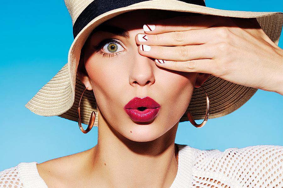 Jak utrwalić makijaż, by nie spływał w czasie letnich dni?