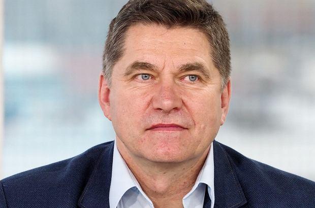 """Sławomir Świerzyński, lider zespołu """"Bayer Full"""", wyznał, że w dzieciństwie padł ofiarą molestowania. Milczał przez lata, bo nie potrafił sobie poradzić ze wstydem."""