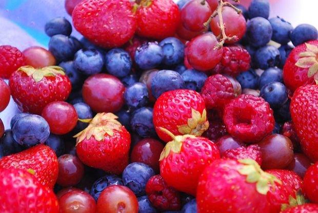 Owocowy sezonownik ociekaj�cy zdrowiem