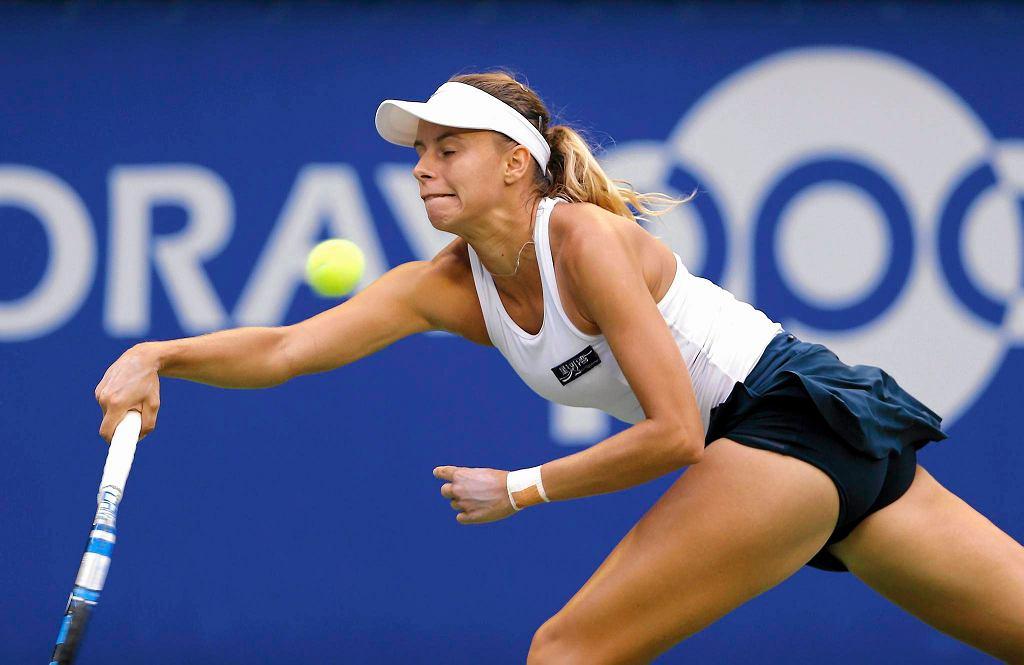 Zdjęcie numer 1 w galerii - WTA Tiencin. Magda Linette walczyła, ale przegrała z Marią Szarapową
