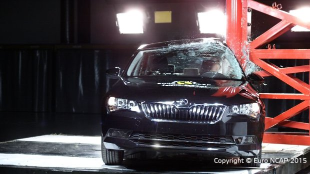 Skoda Superb Testy Euro NCAP