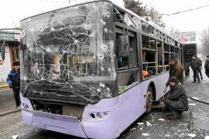 Donieck: ostrzelany przystanek autobusowy, nie żyje nawet 13 osób. Jaceniuk: Za atak odpowiada Rosja