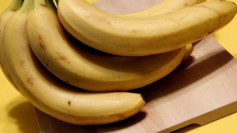 Prostą i naturalną metodą na lepszy sen jest napar z bananów