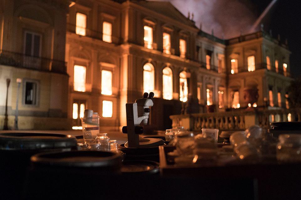 W Rio de Janeiro spłonęło doszczętnie największe i najstarsze muzeum w Brazylii