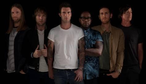 """Grupa Maroon 5 wykonała własną wersję utworu """"Happy"""" Pharrella Williamsa."""