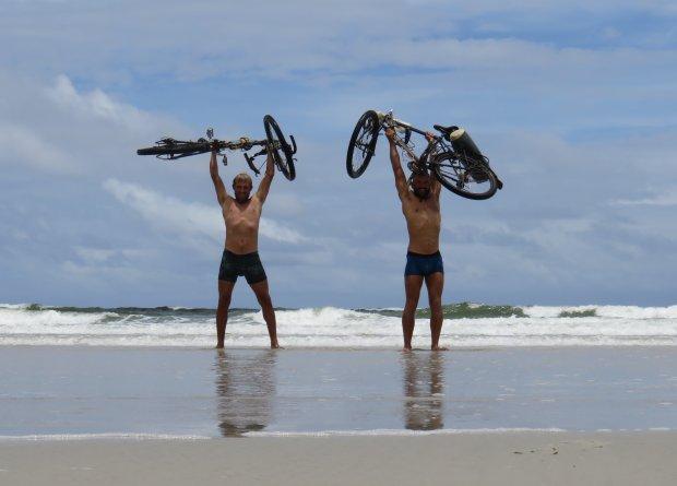 Zdjęcie numer 1 w galerii - Rowerem po Amazonce. Skok do Atlantyku!
