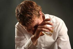 "Nowy, ""cudowny"" lek na alkoholizm? 99% skuteczno�ci. Ekspert: Mam du�e w�tpliwo�ci..."