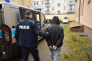 17-latek zaatakowa� ochroniarza, kt�ry przy�apa� jego dziewczyn� na kradzie�y