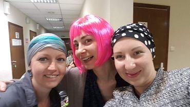 Śmiech na onkologii nie jest mile widziany. Starsi pacjenci strofują młode, radosne pacjentki