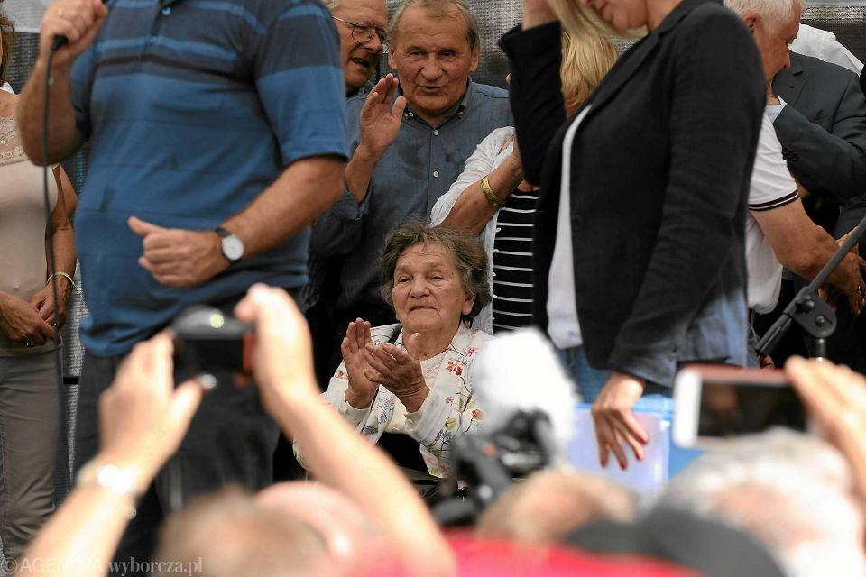 Wanda Traczyk-Stawska na proteście w obronie sądów