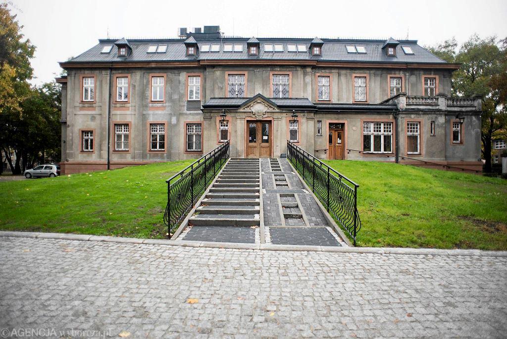 Pałac w Załężu