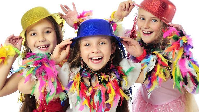 Zabawy karnawałowe - dla dzieci to doskonała okazja, aby się przebrać. Czyli coś, co najmłodsi uwielbiają!