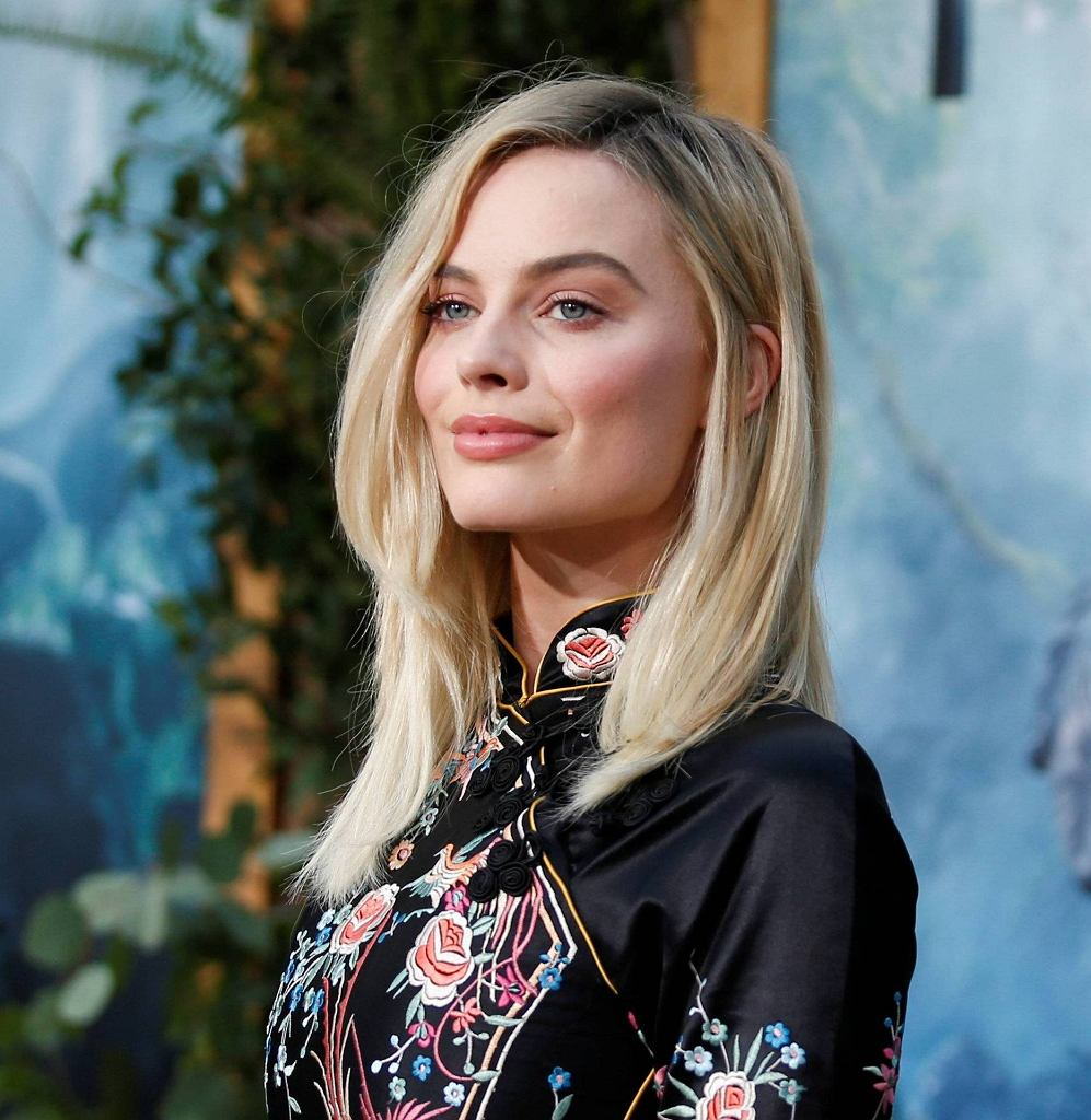 lCast member Margot Robbie poses at the premiere of the movie The Legend of Tarzan