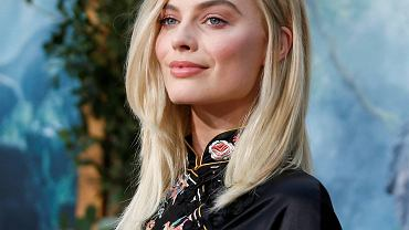 "lCast member Margot Robbie poses at the premiere of the movie The Legend of Tarzan"" in Hollywood, California"