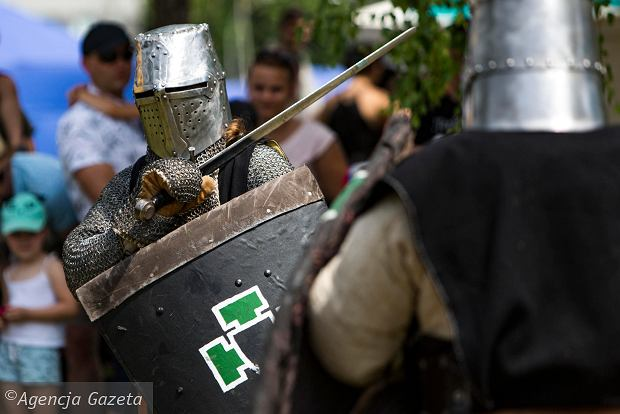 Zdjęcie numer 0 w galerii - Walki rycerzy, pokazy naukowe i wiele innych atrakcji. Tak wygląda Interaktywny Piknik Wiedzy na Politechnice Rzeszowskiej [ZDJĘCIA]