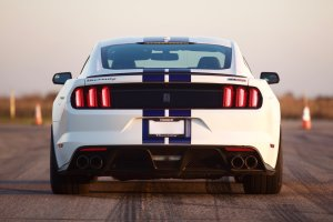 Ford Mustang po wizycie u Hennessey ma a�... 808 KM